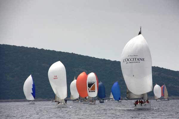 Photo of The Marmara BAYK Kış Trofesi V. Ayak Yarışları Başlıyor