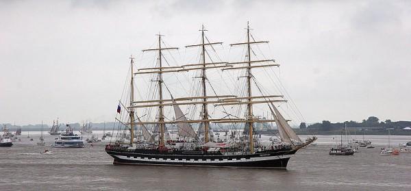 Photo of Kruzenshtern – Dünyanın İkinci Büyük Yelkenli Gemisi Olimpiyatlar İçin Londra'da…