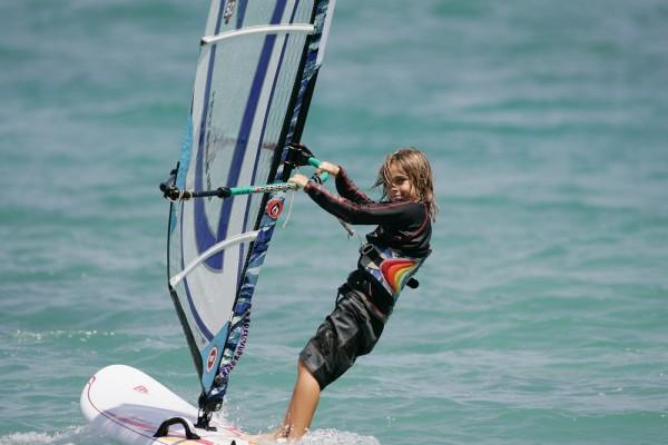 Photo of Geleceğin Süper Sörfçüleri Bu Okulda Yetişiyor