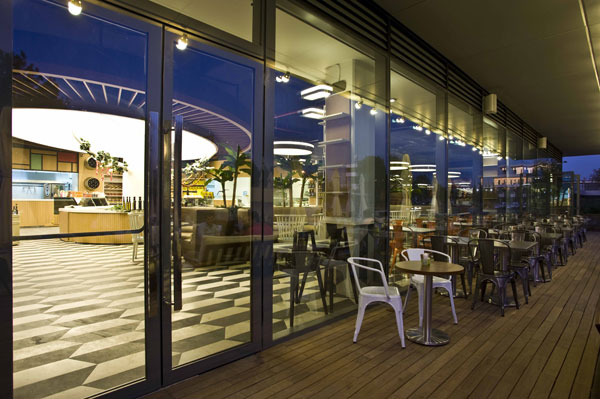 Photo of Ataköy Marina Park, Sansendo Restaurant ile şenlendi.