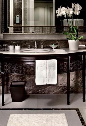 Shangri-La-Bsophorus,-Istanbul_Bathroom-detail