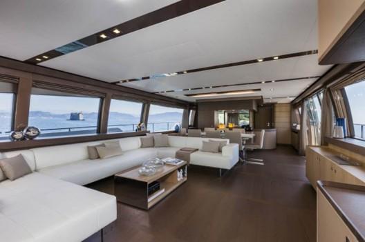 Ferretti-960-Yacht3-528x351