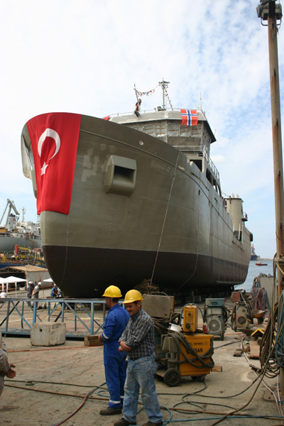 Denize indirilen N51 gemisi