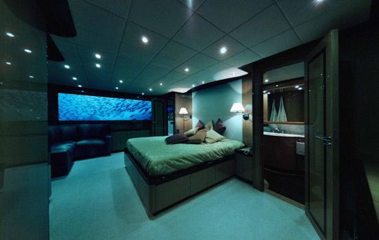 """Oliver's Travels """"Lovers Deep"""" Marine Hotel - Once-in-a-life Experience"""