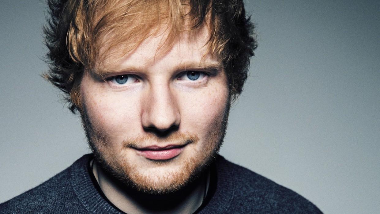 Photo of Ed Sheeran Ameliyat Olacak