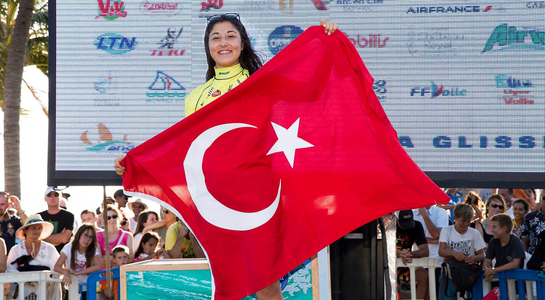 Photo of Fulya Ünlü yine yeniden şampiyon