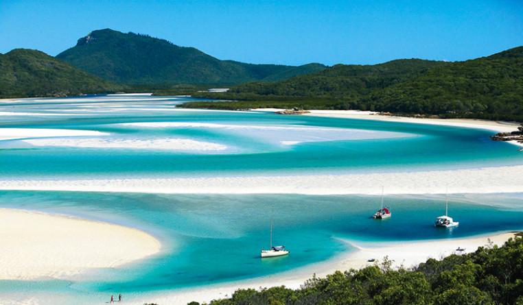 Whitehaven-Beach-Whitsunday-Island-Whitsundays